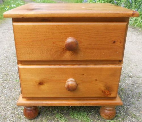 Pine Single Bedside Chest of Drawers